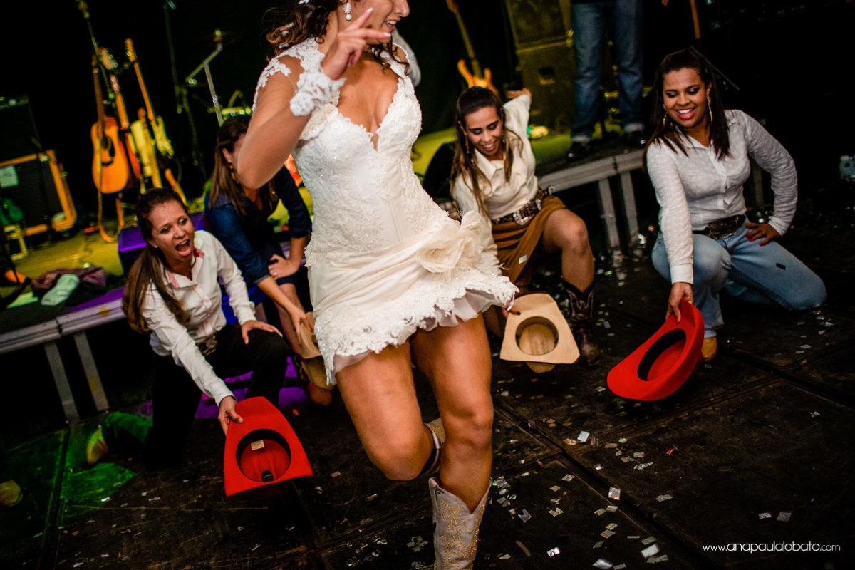 dança estilosa em casamento country