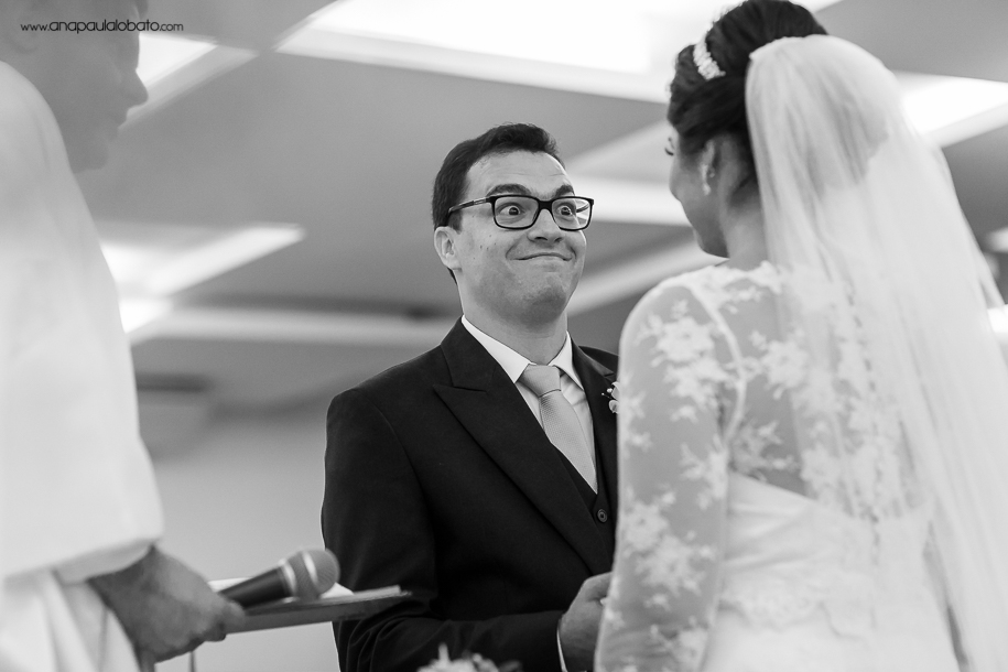 Little expression of the groom showing that every detail matters