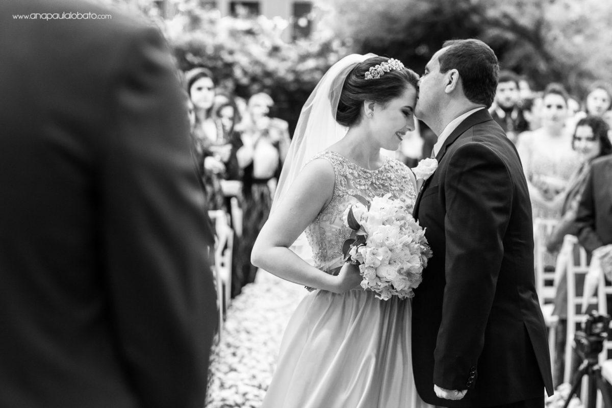 beijo do pai da noiva