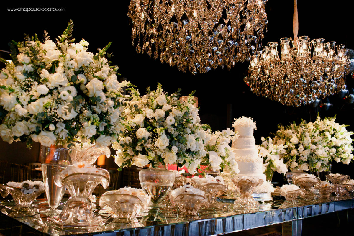 decoração branca de casamento