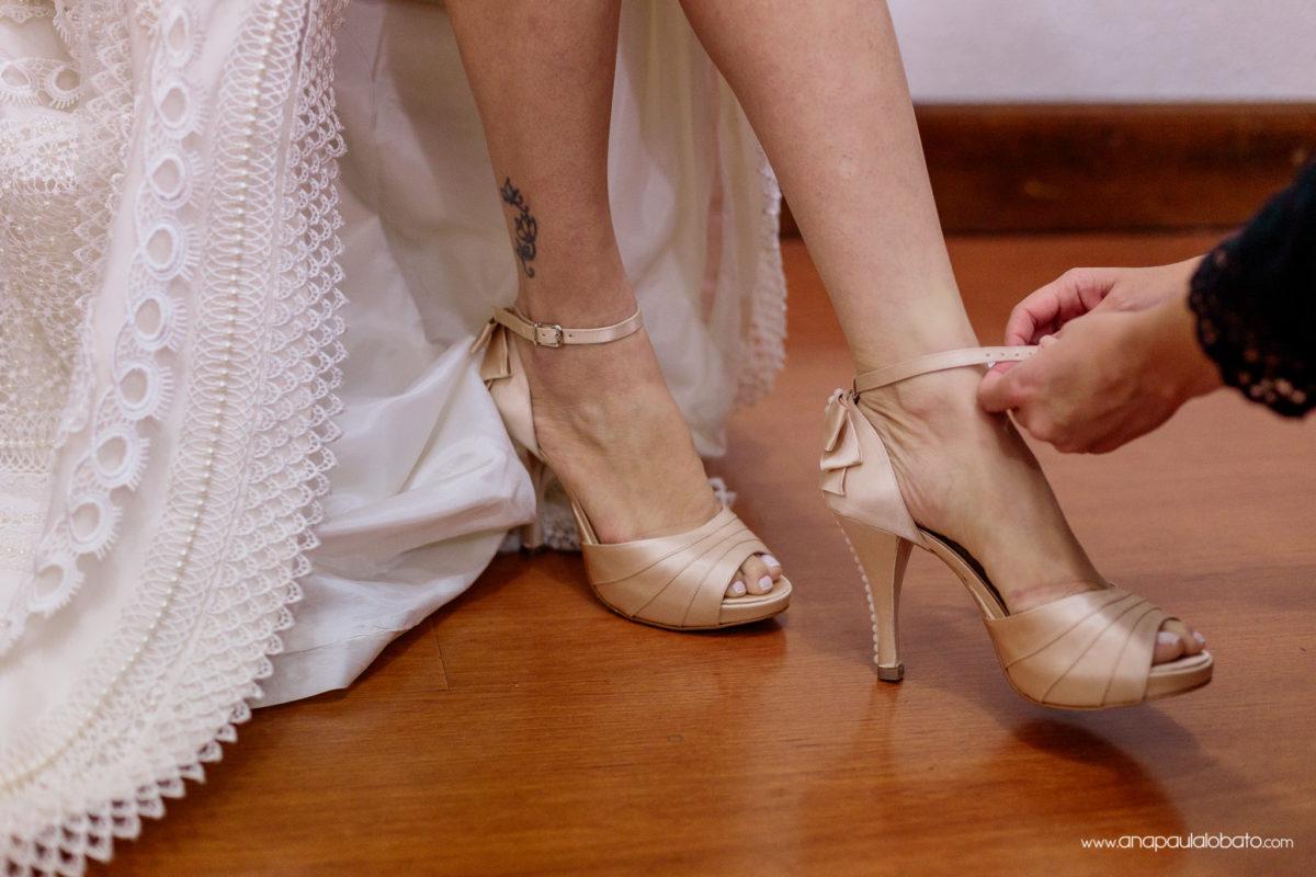sapato noiva dourado