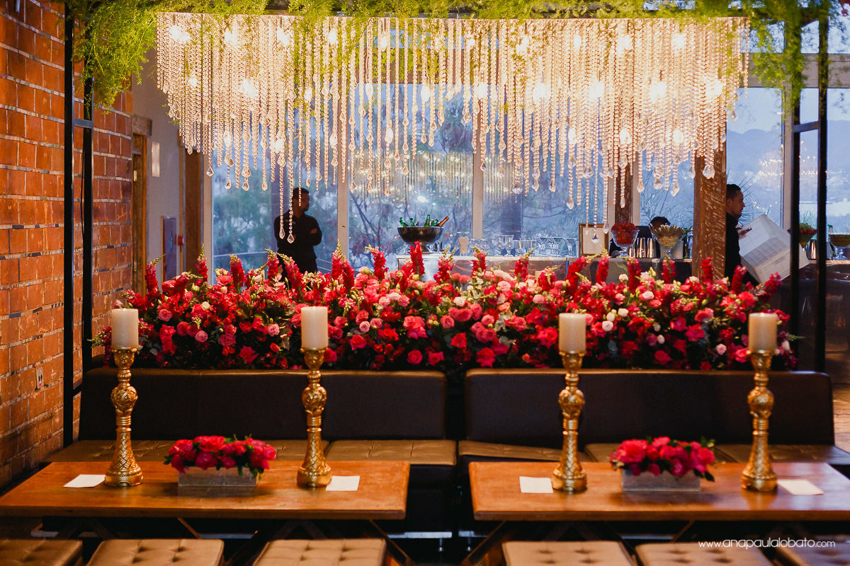 wedding decoration with lots of lights