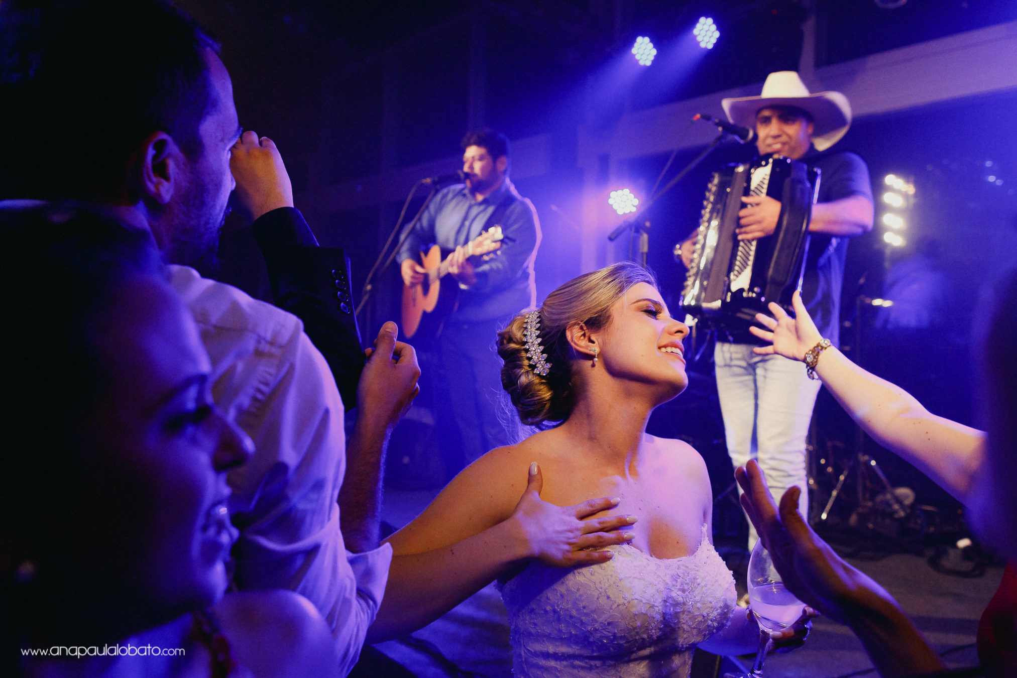 Bride dances to wedding country music
