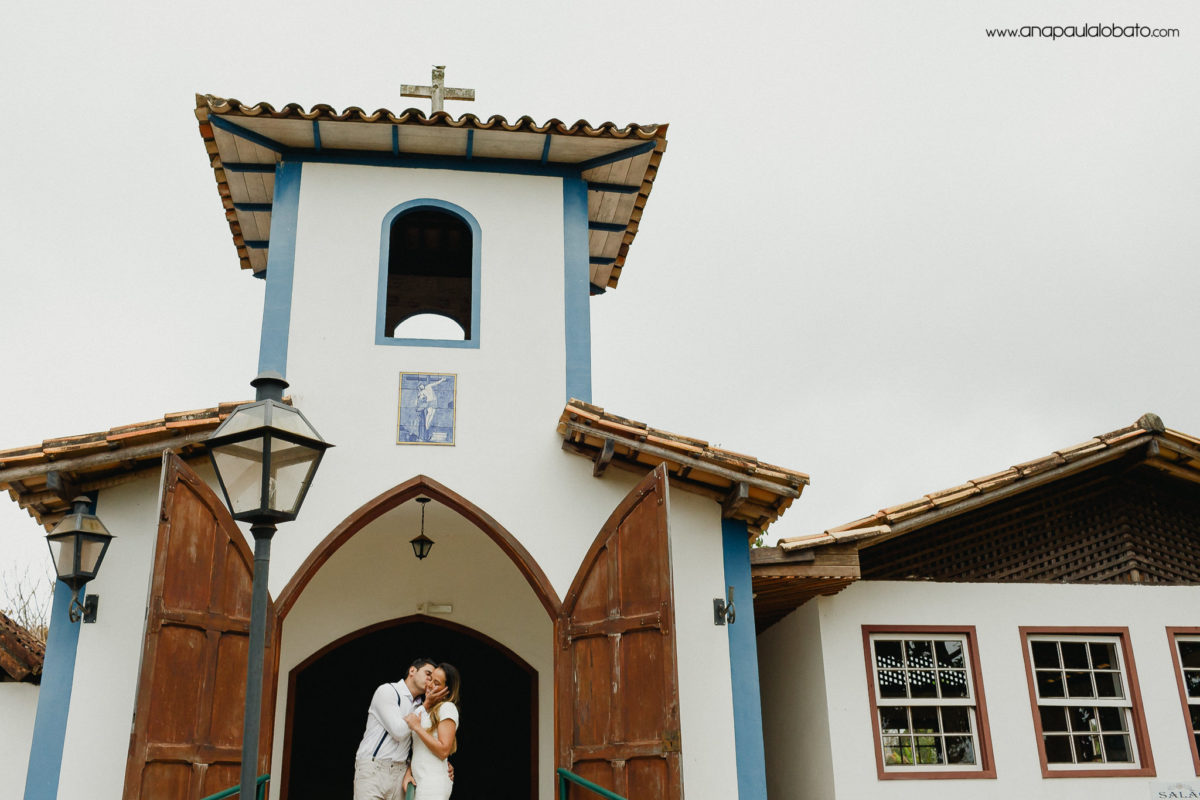 destination wedding photos in little church