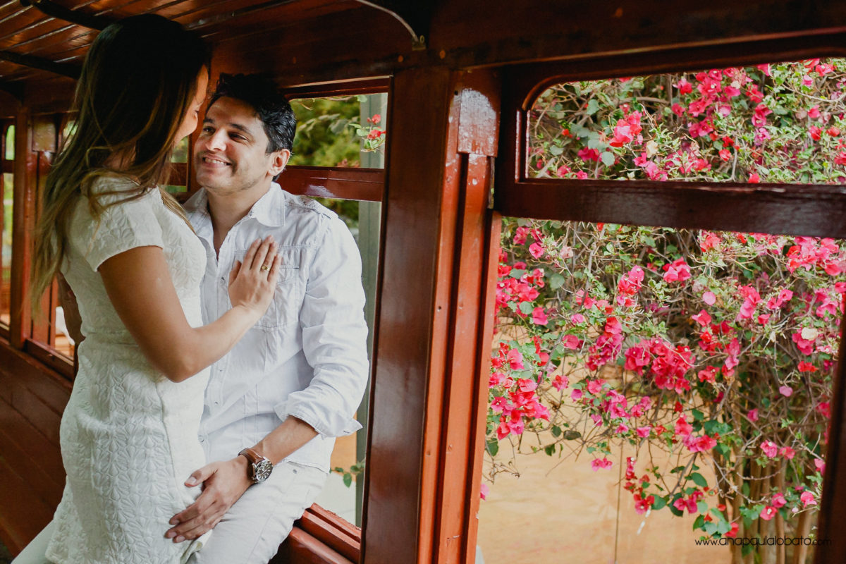 wedding photos in train