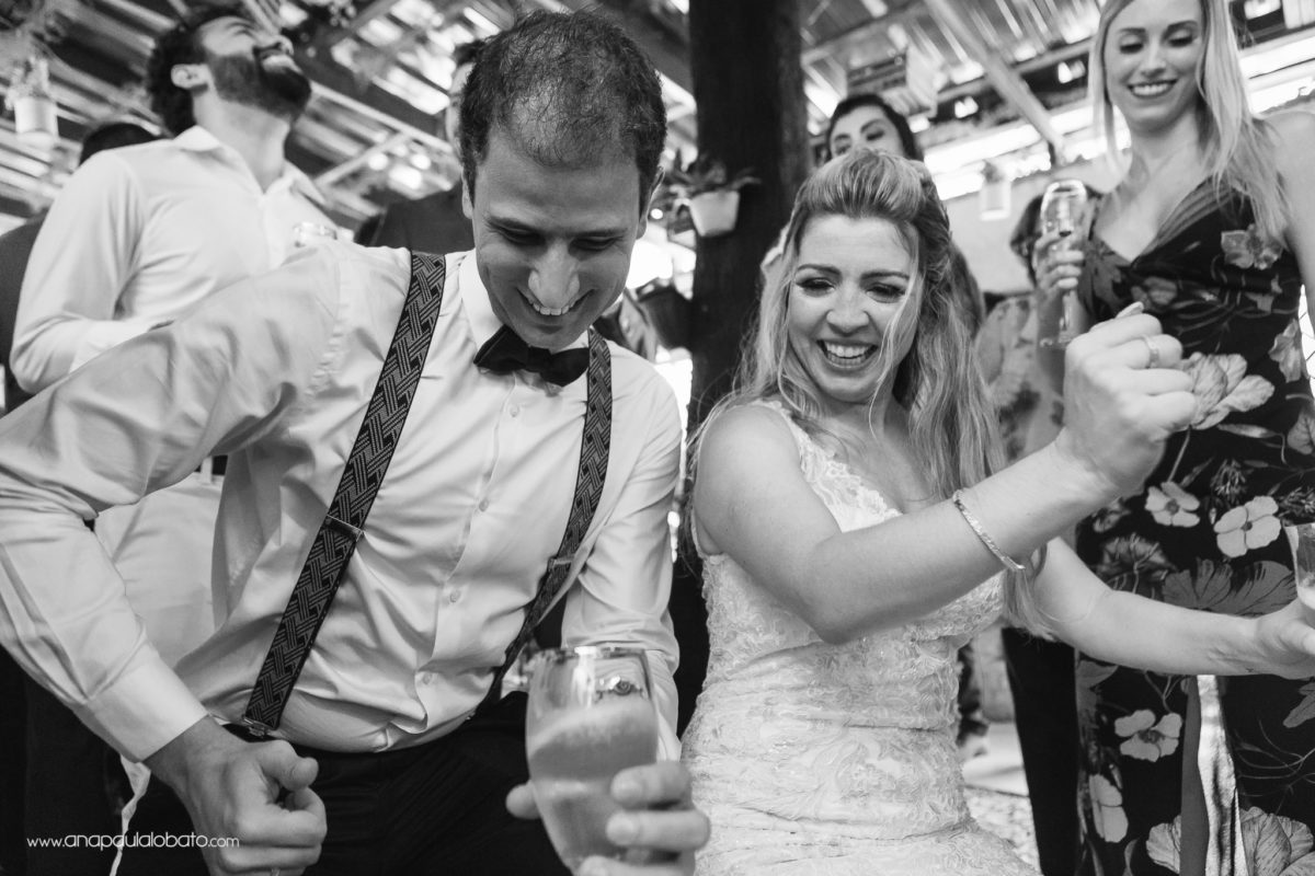 dancing in the wedding