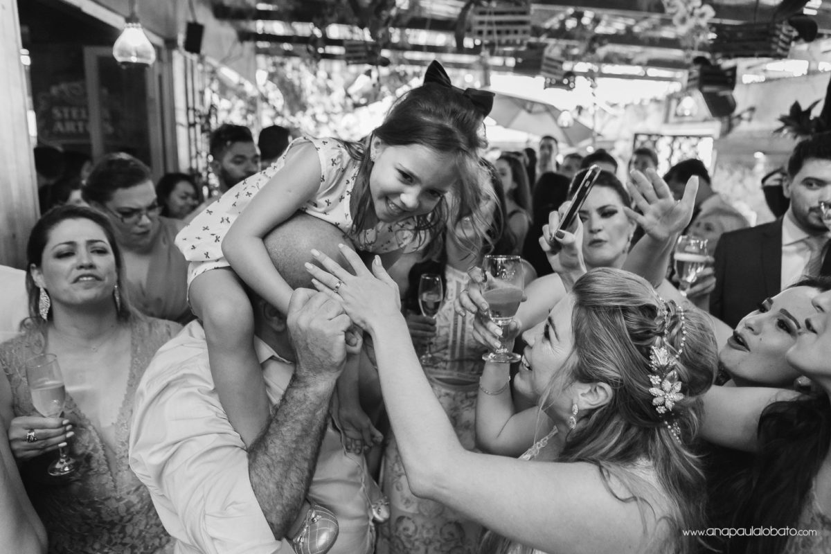 bride and her little kid