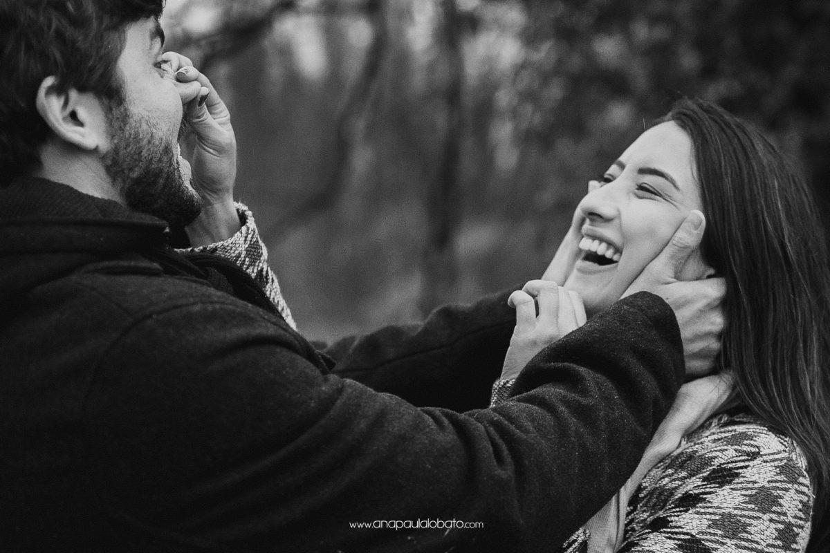 lustige Verlobungsfotos Idee