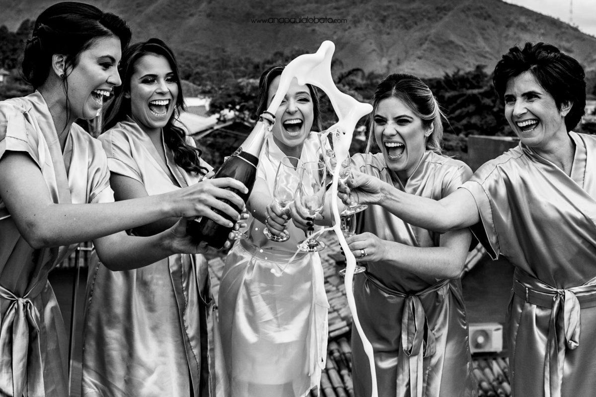 como fazer um brinde animado de casamento