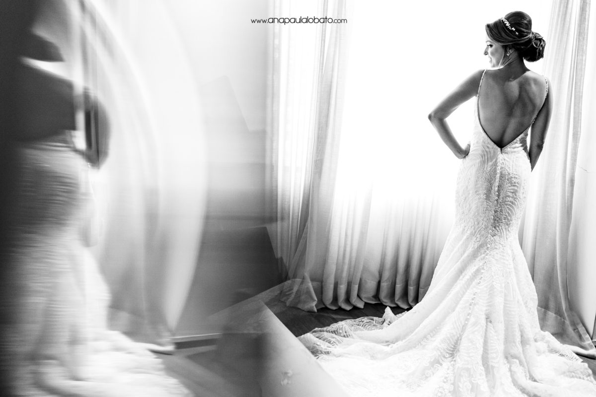 vestido de casamento com costas abertas para casamento de dia