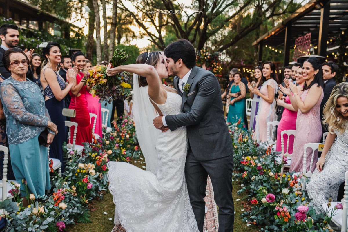 couple kissing in destination wedding