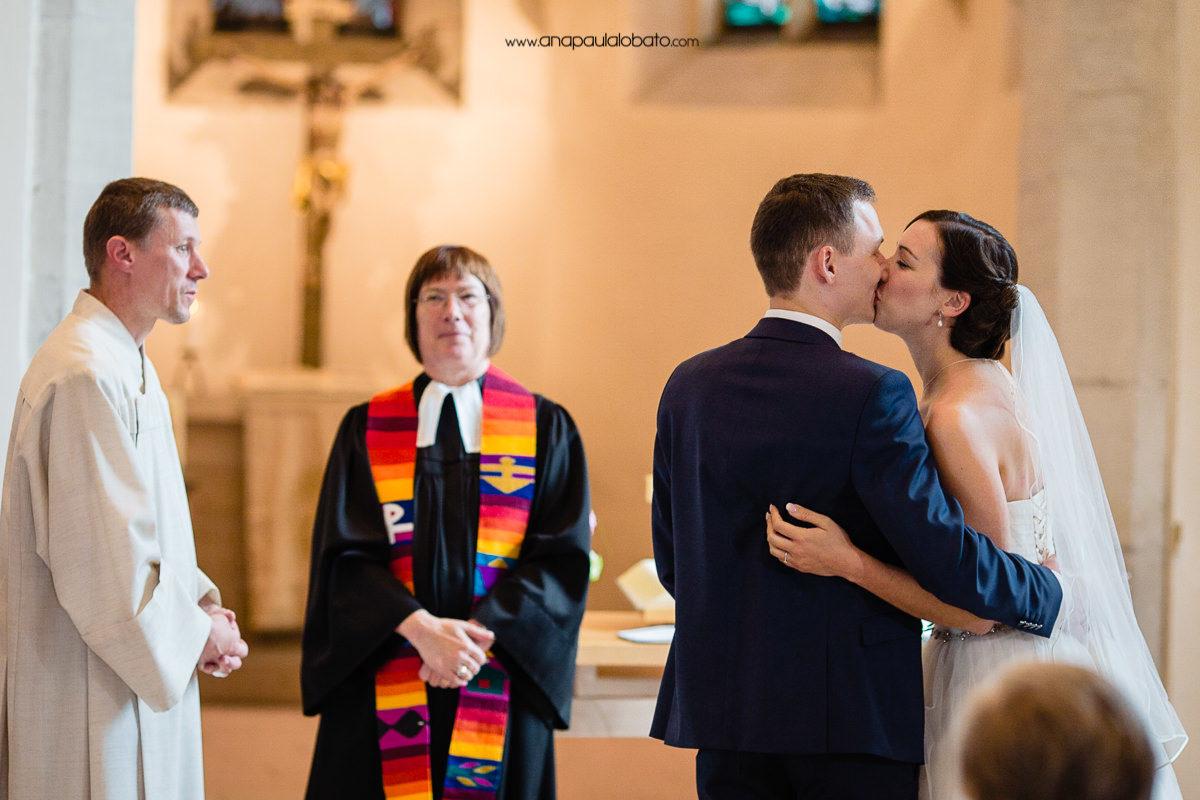 beijo de casamento na alemanha