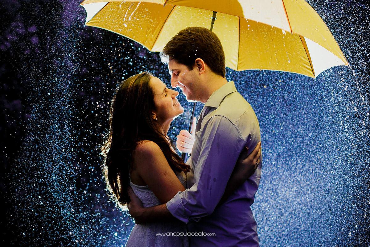 couple picture in the rain