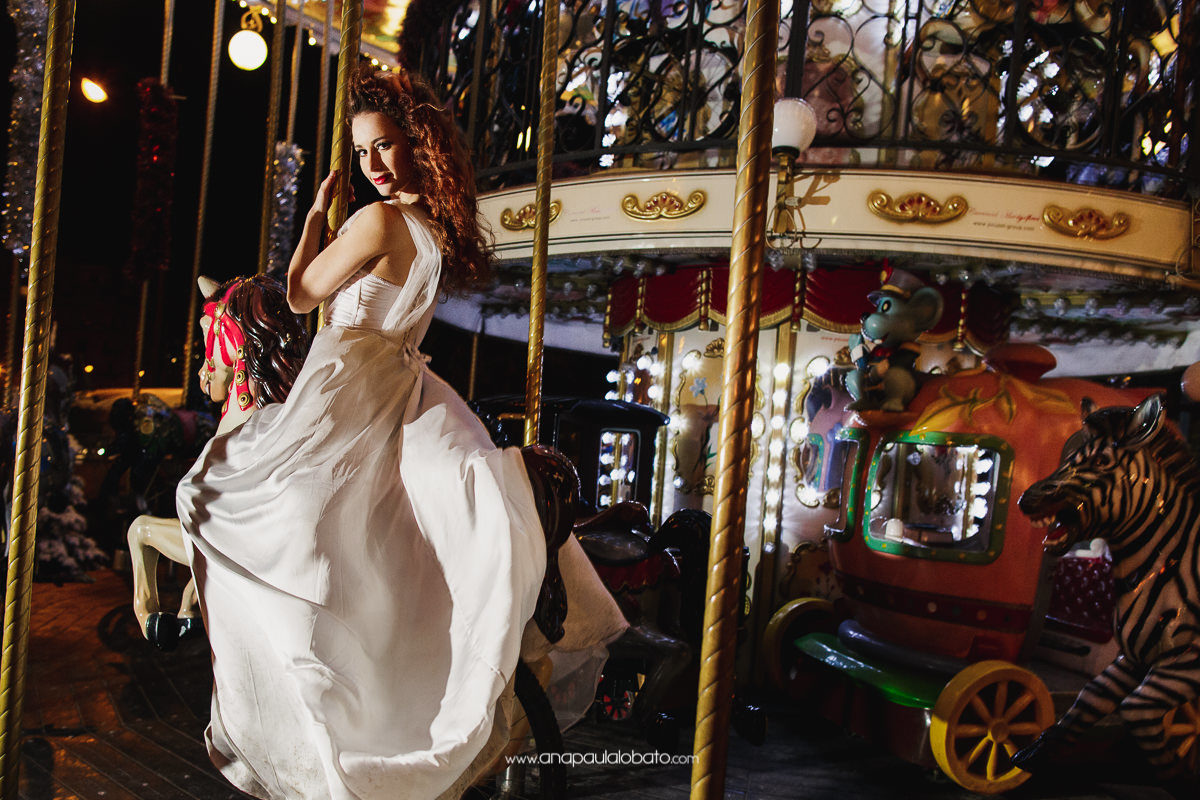 carroussel wedding photos