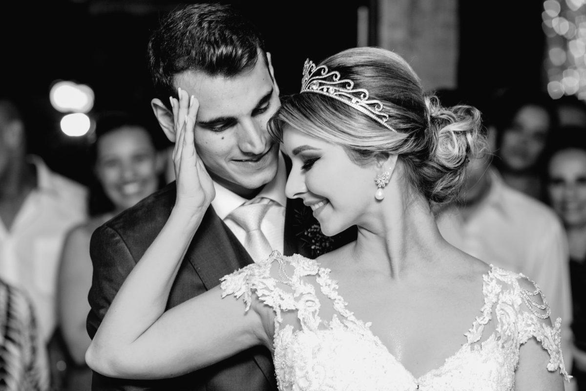 romantic wedding photos in brazil