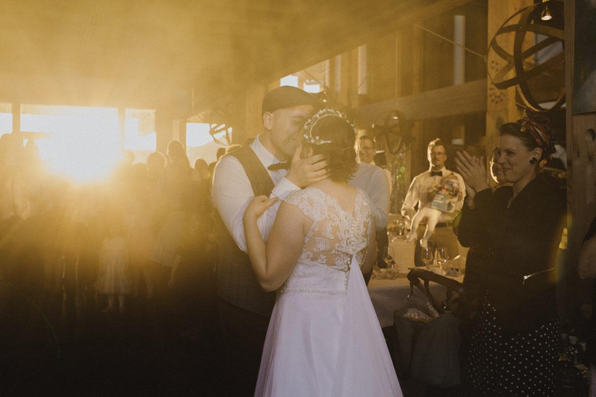 romantic bridegroom kiss